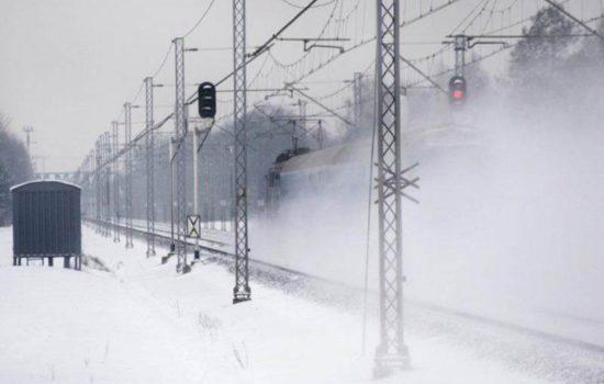 Zima_na_kolei