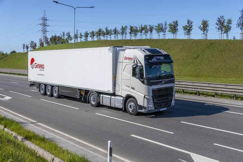 Girteka_kupuje_2000_ciężarówek_Volvo